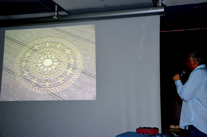 conference-crop-circles-10