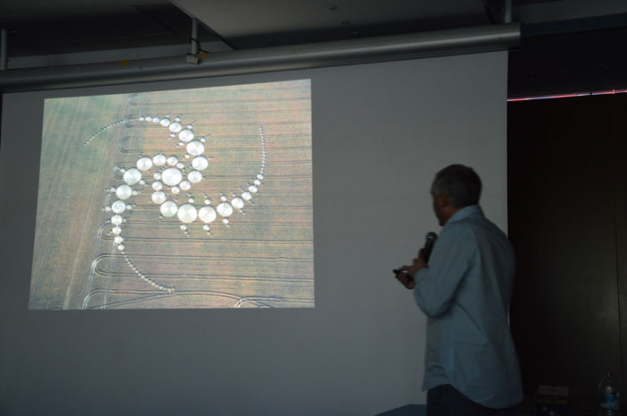 conference-crop-circles-11