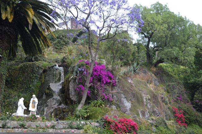 Notre-dame-de-Guadalupe-2