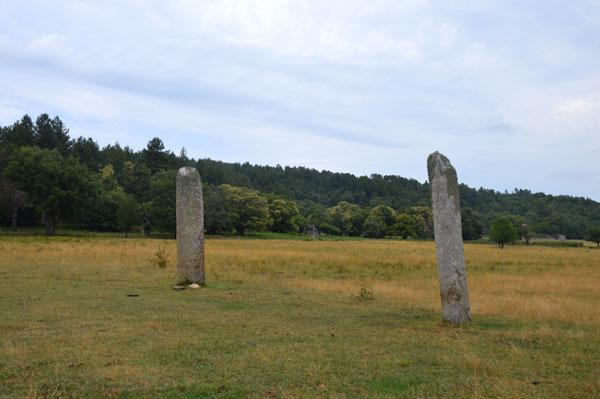 menhirs-plateau-Lambert